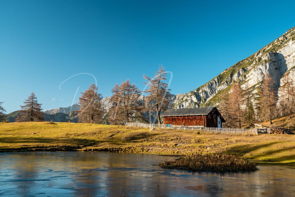 Neue Magdeburger Hütte | Gefrorener See an der Neuen Madgeburger Hütte