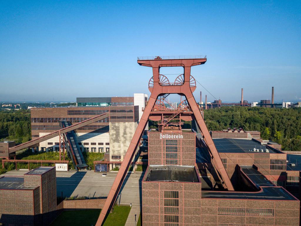 JT-170814017 | Welterbe Zeche Zollverein, Fördergerüst Schacht 12, Kohlenwäsche Gebäude mit dem Ruhrmuseum, Essen, Deutschland,