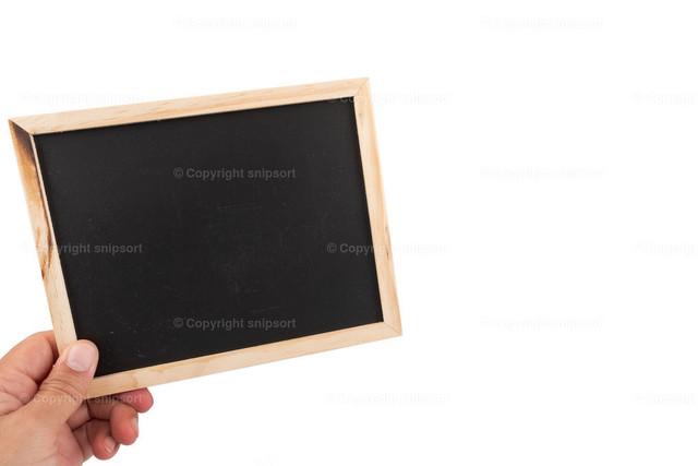 Hand mit Blanko-Schreibtafel | Eine männliche Hand mit einer kleinen Blanko-Schreibtafel (freigestellt).