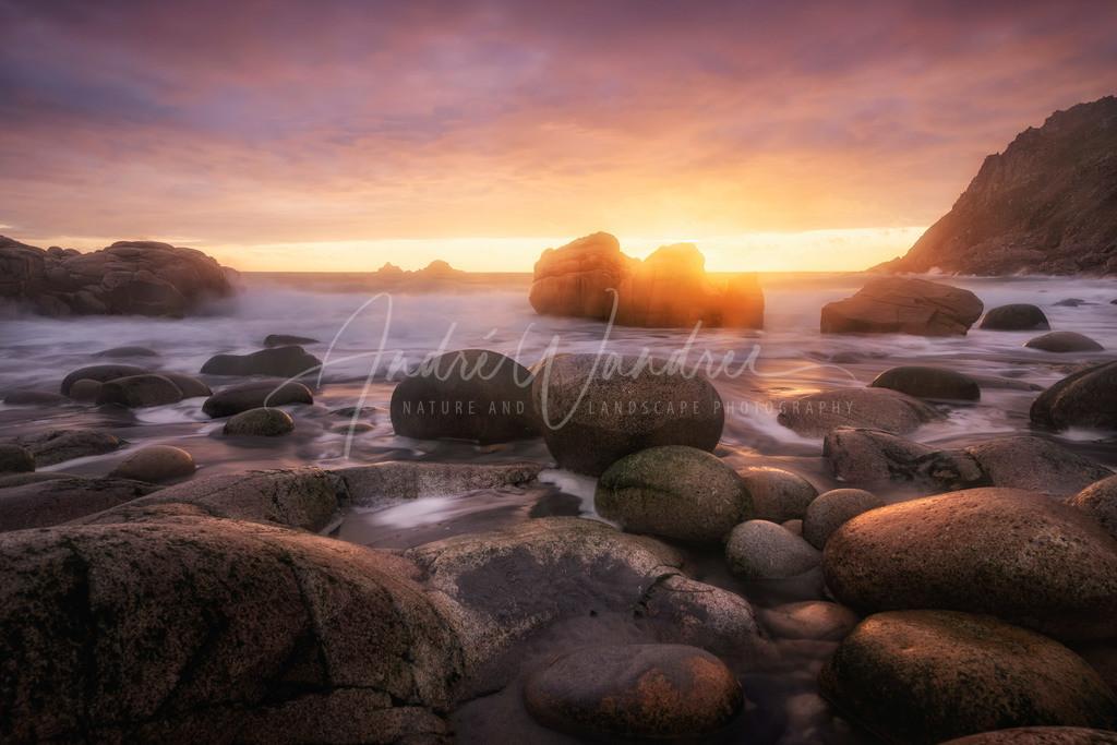 Goldenes Licht am Strand