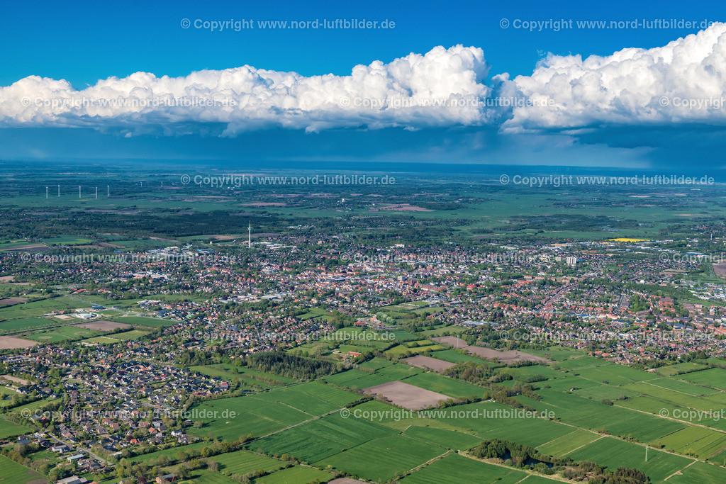 Heide_ELS_5896040519 | Heide - Aufnahmedatum: 04.05.2019, Aufnahmehöhe: 546 m, Koordinaten: N54°10.061' - E9°02.978', Bildgröße: 8256 x  5504 Pixel - Copyright 2019 by Martin Elsen, Kontakt: Tel.: +49 157 74581206, E-Mail: info@schoenes-foto.de  Schlagwörter:Schleswig-Holstein,Luftbild, Luftbilder, Deutschland