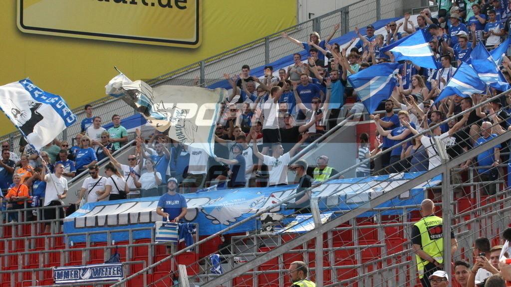 Bayer 04 Leverkusen - TSG 1899 Hoffenheim   Hoffenheims spärlich besetzter Gästeblock