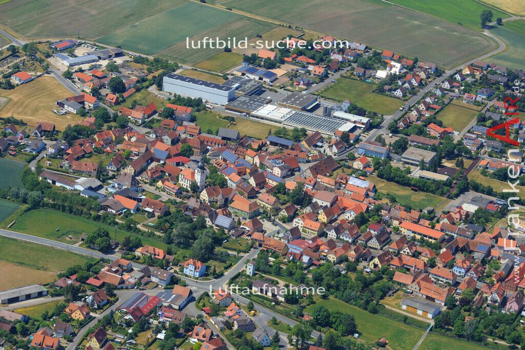 sugenheim-2015-1598   Luftbild von  Sugenheim - Luftaufnahme wurde 2015 von https://frankenair.de mittels Flugzeug (keine Drohne) erstellt - die Geschenkidee