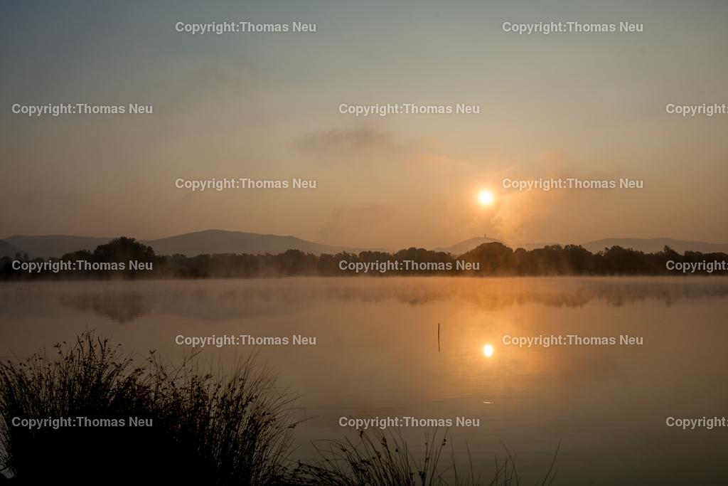 Sonnenaufgang-3 | Bensheim,Fruiehaufsteher werden belohnt...hier der Sonnenaufgang uerber der Bergstrasse von den Ufern der Erlache am Naturschutzzentrum fotografiert. ,, Bild: Thomas Neu