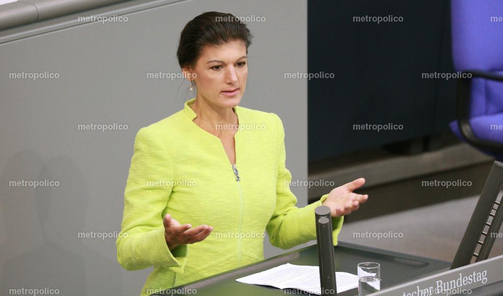 Sahra Wagenknecht spricht im Bundestag
