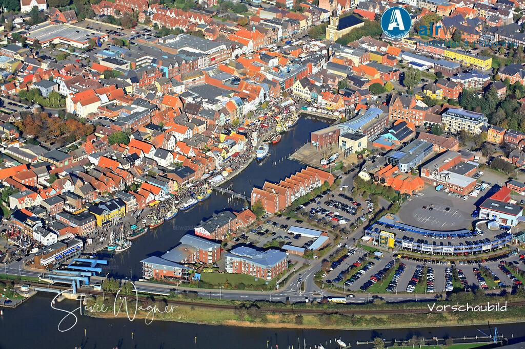 Luftbild Husum, Binnenhafen, Hafentage, Hafenstr., Gaswerkstr. | Luftbild Husum, Binnenhafen, Hafentage, Hafenstr., Gaswerkstr. • max. 4272 x 2848 pix.