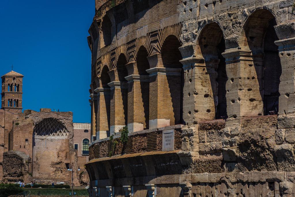 Colosseo+Tempio di Venere e Roma-Rom-1