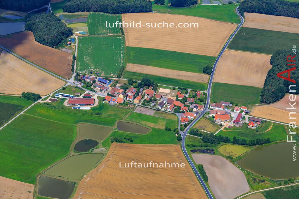 grossneuses-hoechstadt-17-4882 | Luftbild von Grossneuses Hoechstadt - Luftaufnahme wurde 2017 von https://frankenair.de mittels Flugzeug (keine Drohne) erstellt - die Geschenkidee