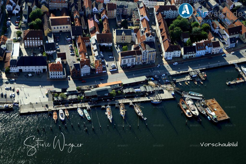 Luftbild Flensburger Foerde, Flensburg Binnenhafen, Schiffbrücke, Museumswerft | Flensburger Foerde, Flensburg Binnenhafen, Schiffbrücke, Museumswerft • max. 6240 x 4160 pix