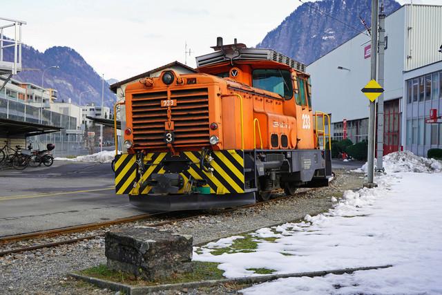 RhB Gm 3/3 233 | Die Rangierlok wurde im Depot in Landquart abgestellt.