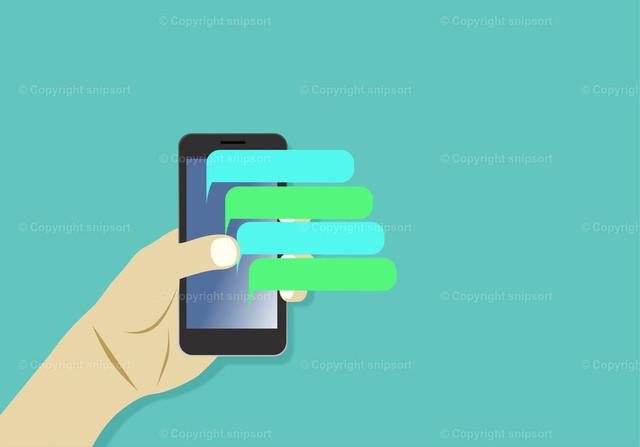 Männliche Hand mit einem Smartphone und Chat-Blasen | Ein männliche Hand hält ein Smartphone über einem türkisen Hintergrund.