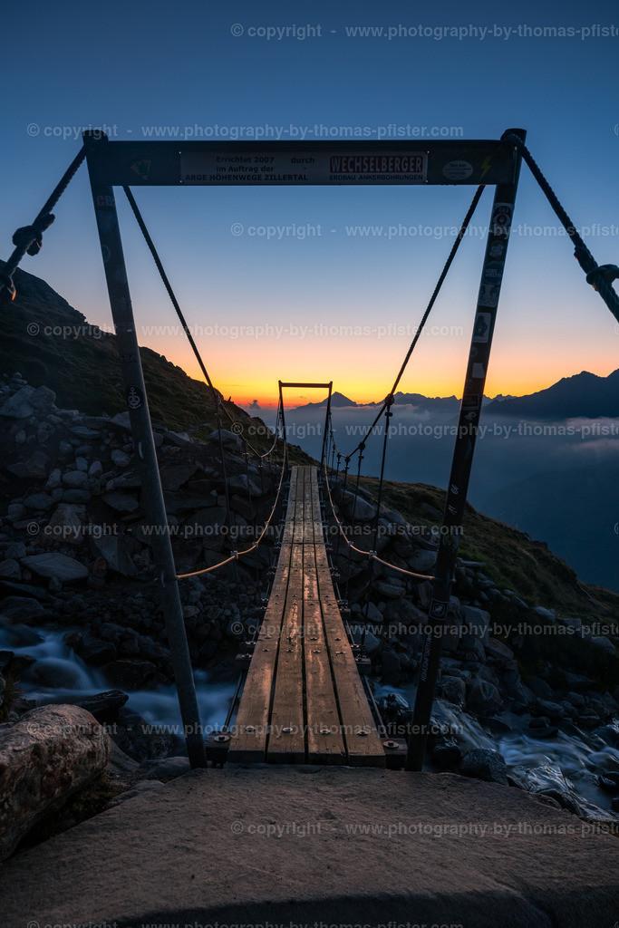 Brücke bei Olpererhütte Blaue Stunde
