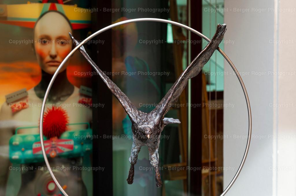 Skulptur Adler Metall ( von vorne ) | Bildmaterial für Fotografen, Webdesigner und Grafikdesigner zum weiterverarbeiten