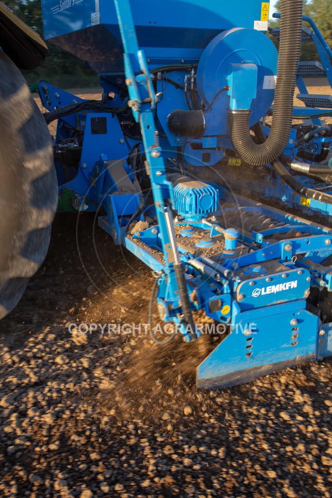 20180928-IMG_1248   Aussaat von Wintergerste mit einer pneumatischen Drillmaschine
