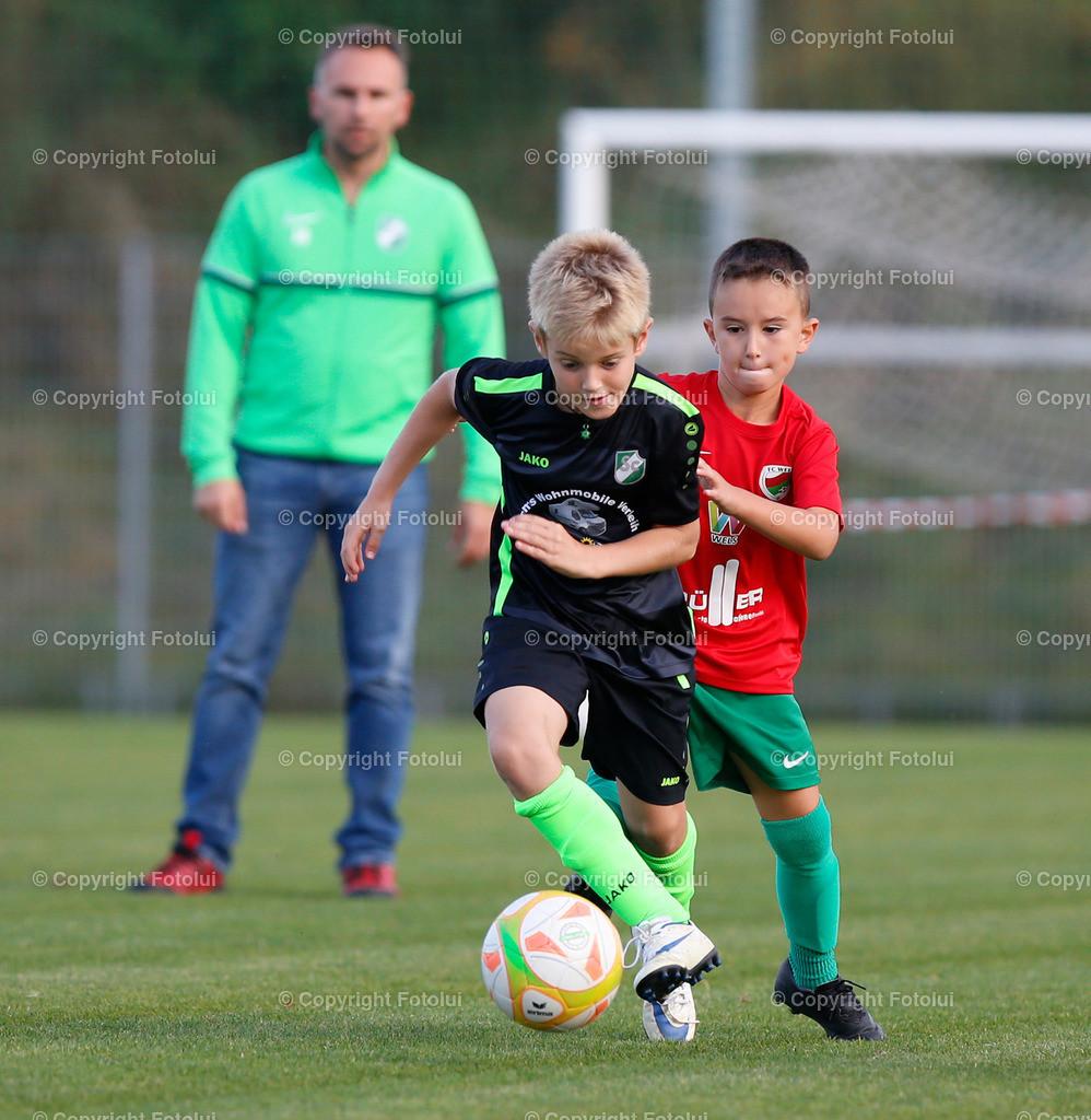 A_LUI27092021_09 | SPORT,FUSSBALL, FC WELS_SC HOERSCHING U 9 27.09.2021 IM BILD: SCHWARZ (HOERSCHING) UND ROT (FC WELS )FOTO:FOTOLUI