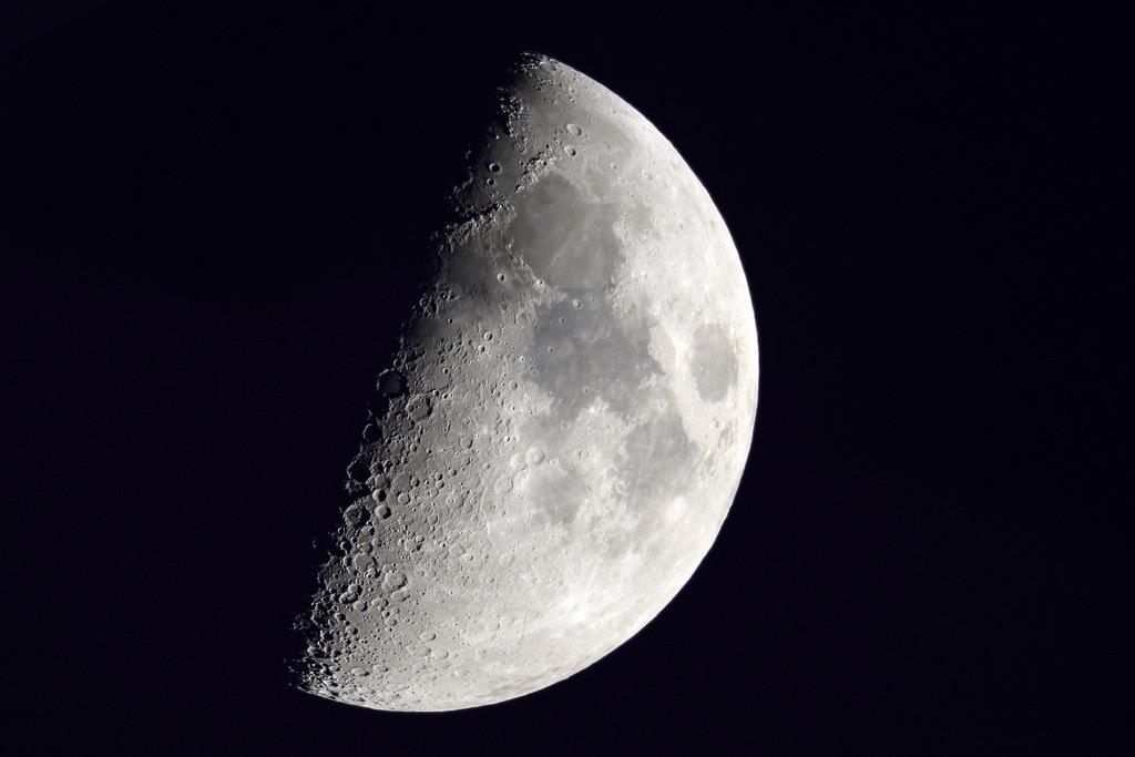 042-Mond