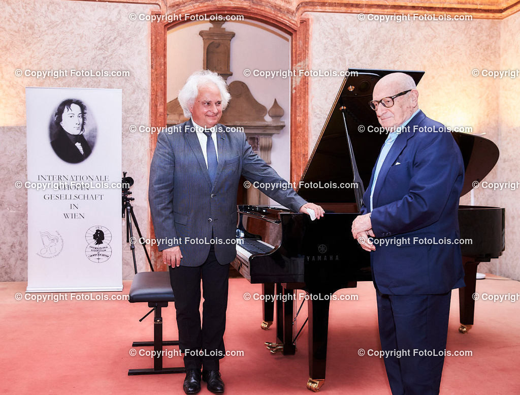 L1_3071_XXXVI-Chopin-Festival_NOC_Henry-Kanitzer   (C) FotoLois.com, Alois Spandl, 36. Chopin-Festival in der Kartause Gaming, NOCTURNO-Kozert in der Barockbibliothek, Sa 15. August 2020.