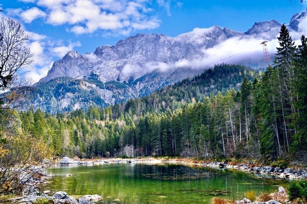 Eibsee - Frillensee | Blick auf den idyllischen Frillensee in Bayern