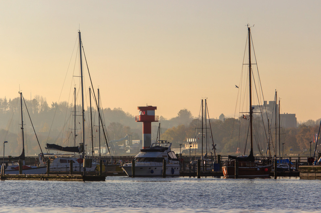 Hafen in Eckernförde   Goldener Morgen am Hafen in Eckernförde