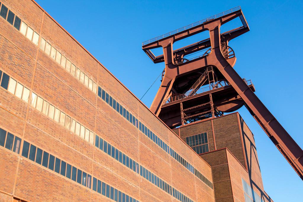JT-170109-599 | Zeche Zollverein in Essen, UNESCO Welterbe, Doppelbock von Schacht XII,