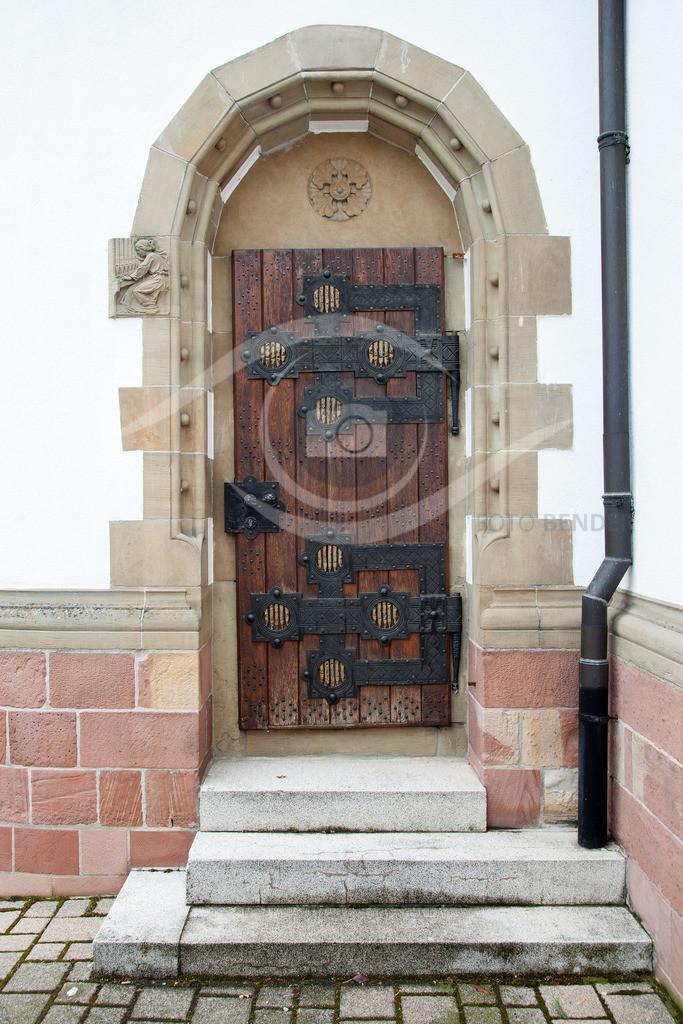 Seitenportal 01 St. Sebastian Ketsch