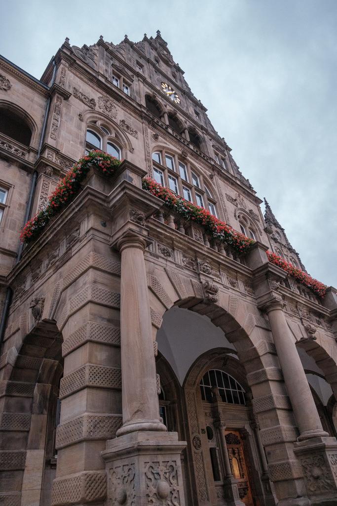 Fassade des alten Rathauses | Fassade des alten Rathauses in Bielefeld.